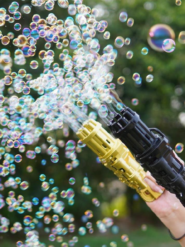 Súng bắn xà phòng 8 nòng [FREE SHIP] Đồ chơi phun bong bóng ngoài trời thổi bọt mạnh mẽ cho bé vui chơi ngoài trời Dũng Dũng 5 8